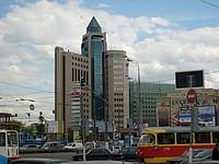 Последний вагон из центра, выходите из метро, перед собой увидите высокое здание налоговой инспекции